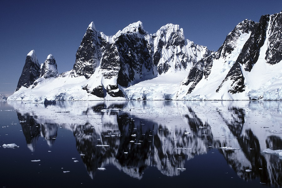 Akademik Ioffe: Antarctica Off the Beaten Track