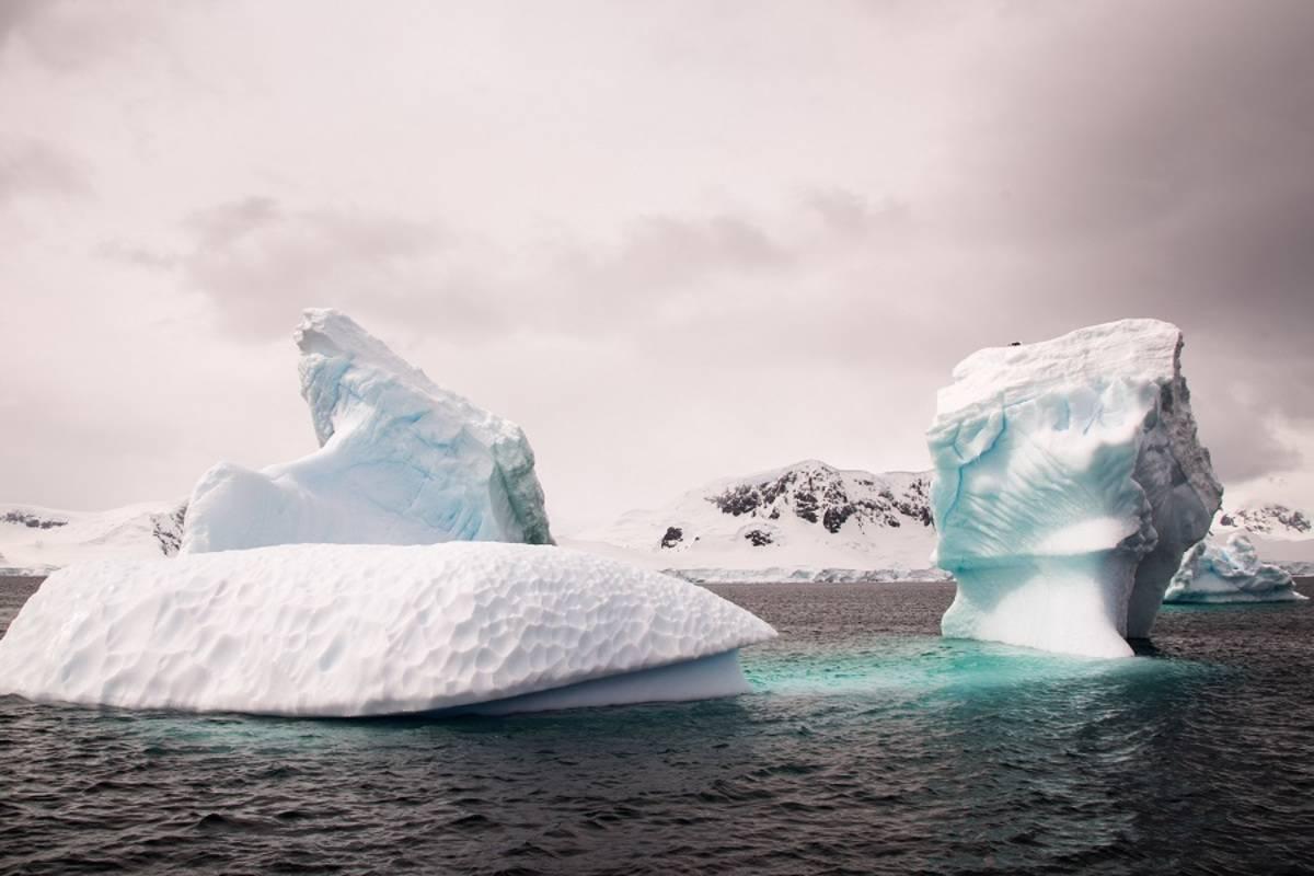 Antarctica Express Fly/Sail Cruise