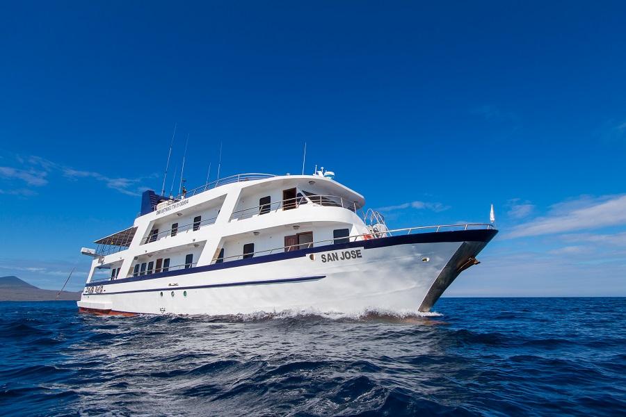 San Jose: Western Galapagos Islands