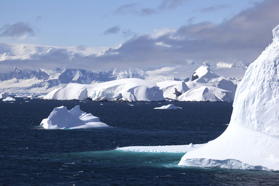 Akademik Ioffe: Antarctic Peninsula Adventure