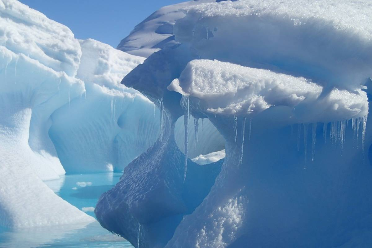 Greg Mortimer: Across the Antarctic Circle