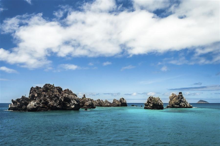 Grand Queen Beatriz: Central & South Galapagos Islands