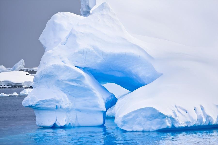 RCGS Resolute: Antarctic Peninsula Adventure ex. Stanley