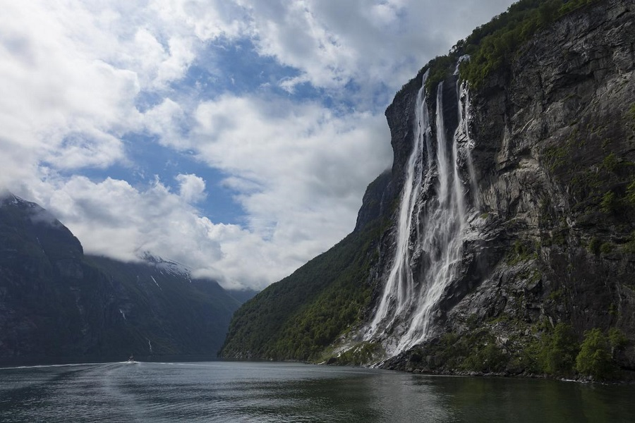 G Expedition: Cruise the Norwegian Fjords in Depth