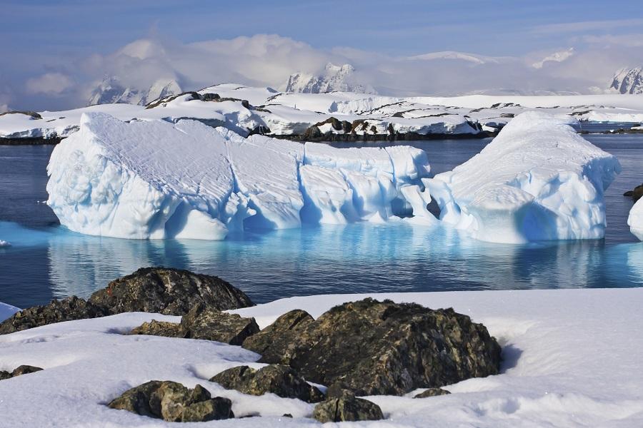 Sea Spirit: Antarctic Peninsula - Land of Penguins & Icebergs