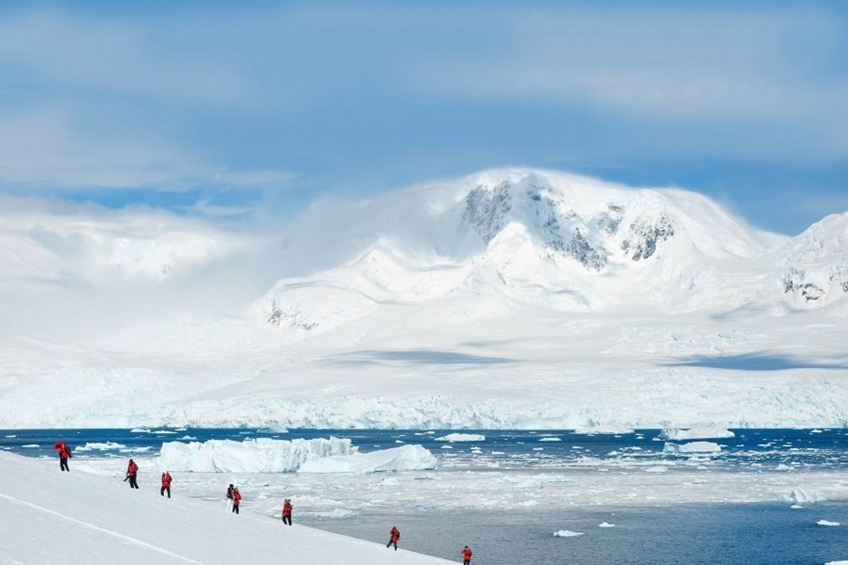 L'Austral: Beyond The Polar Circle