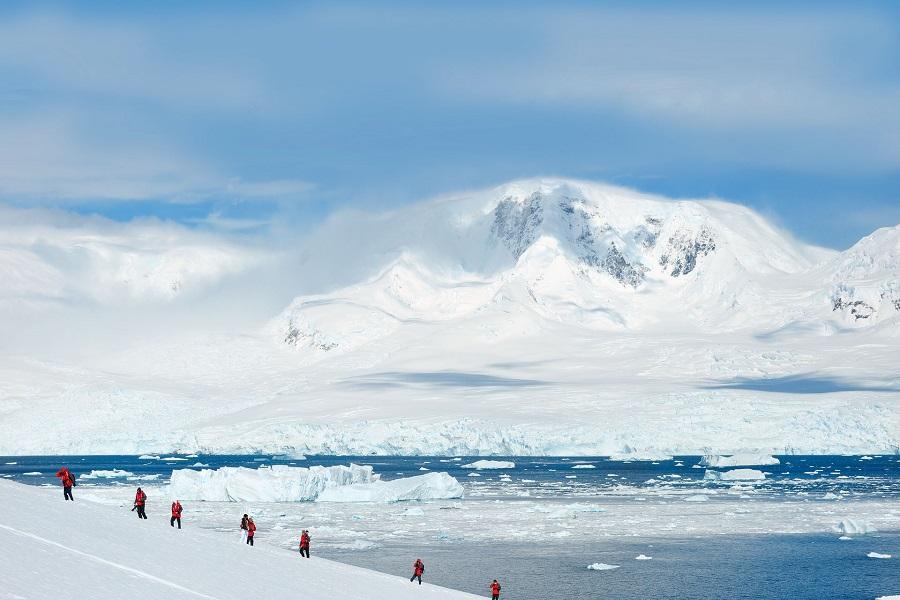 Le Lyrial: Beyond The Polar Circle