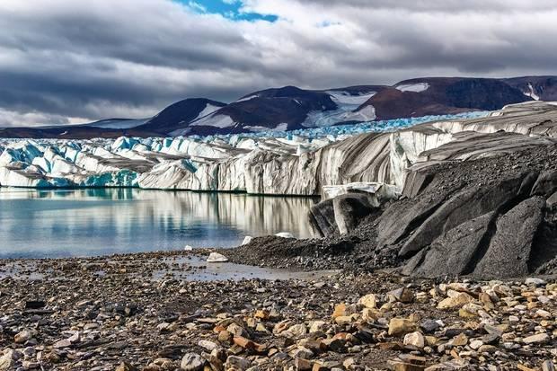 Greg  Mortimer: Franz Josef Land Explorer ex Murmansk