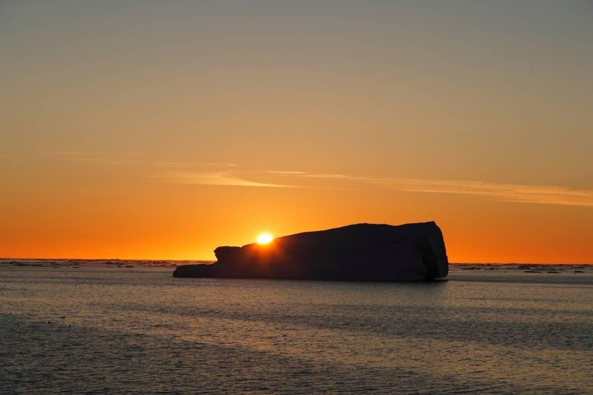 M/V Hondius: East Greenland - Scoresby Sund, Aurora Borealis