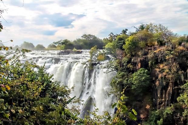 Victoria Falls, Chobe & Okavango Delta