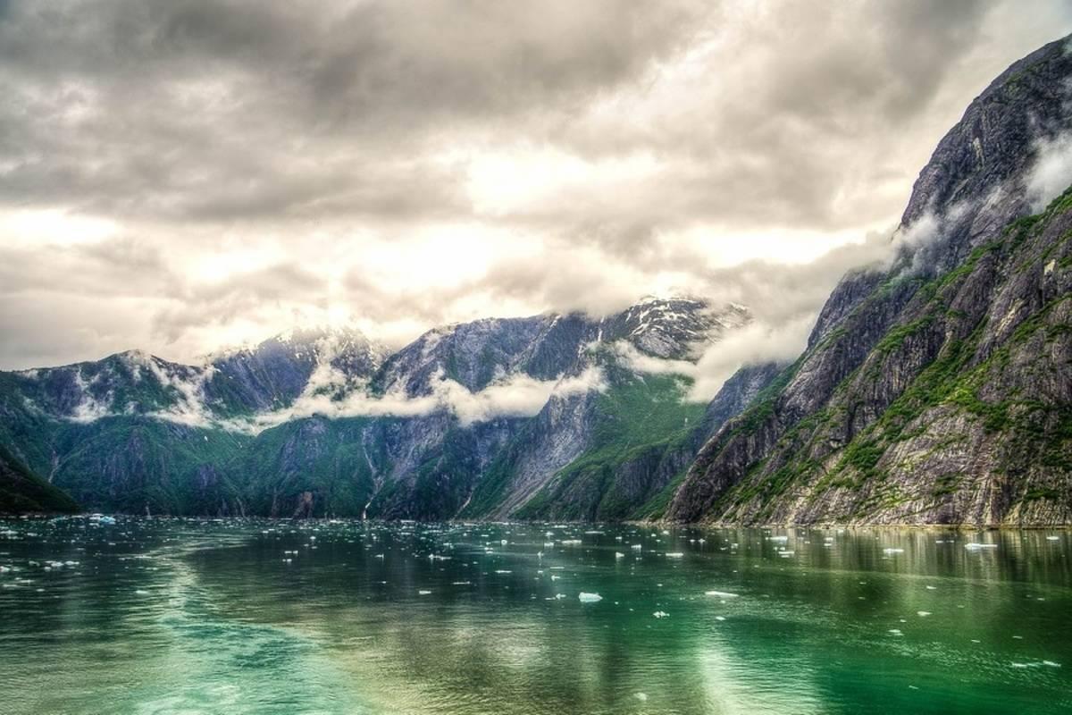 Crystal Endeavor: Expedition Alaska
