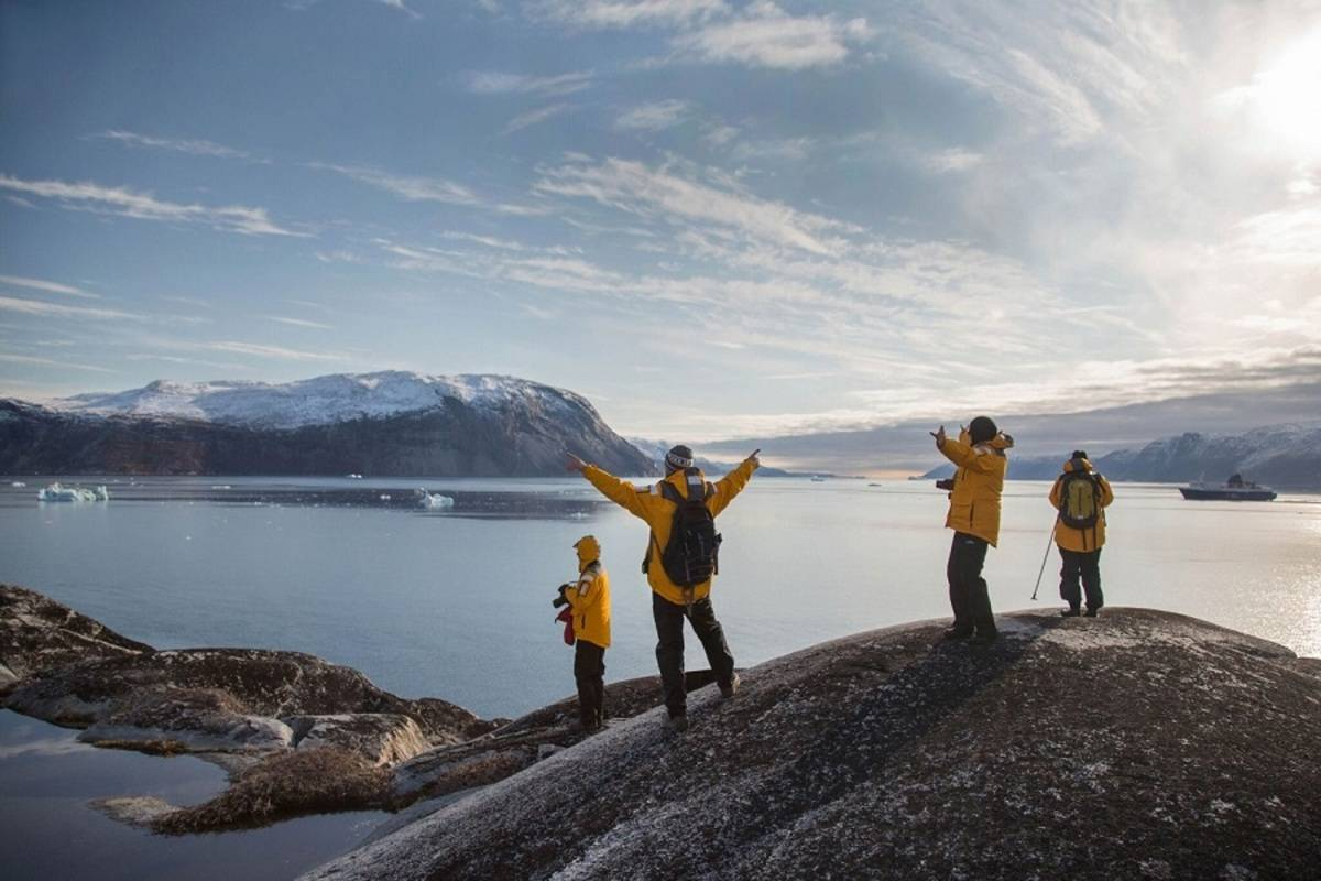 Ultramarine: Greenland Adventure: Explore by Sea, Land and Air