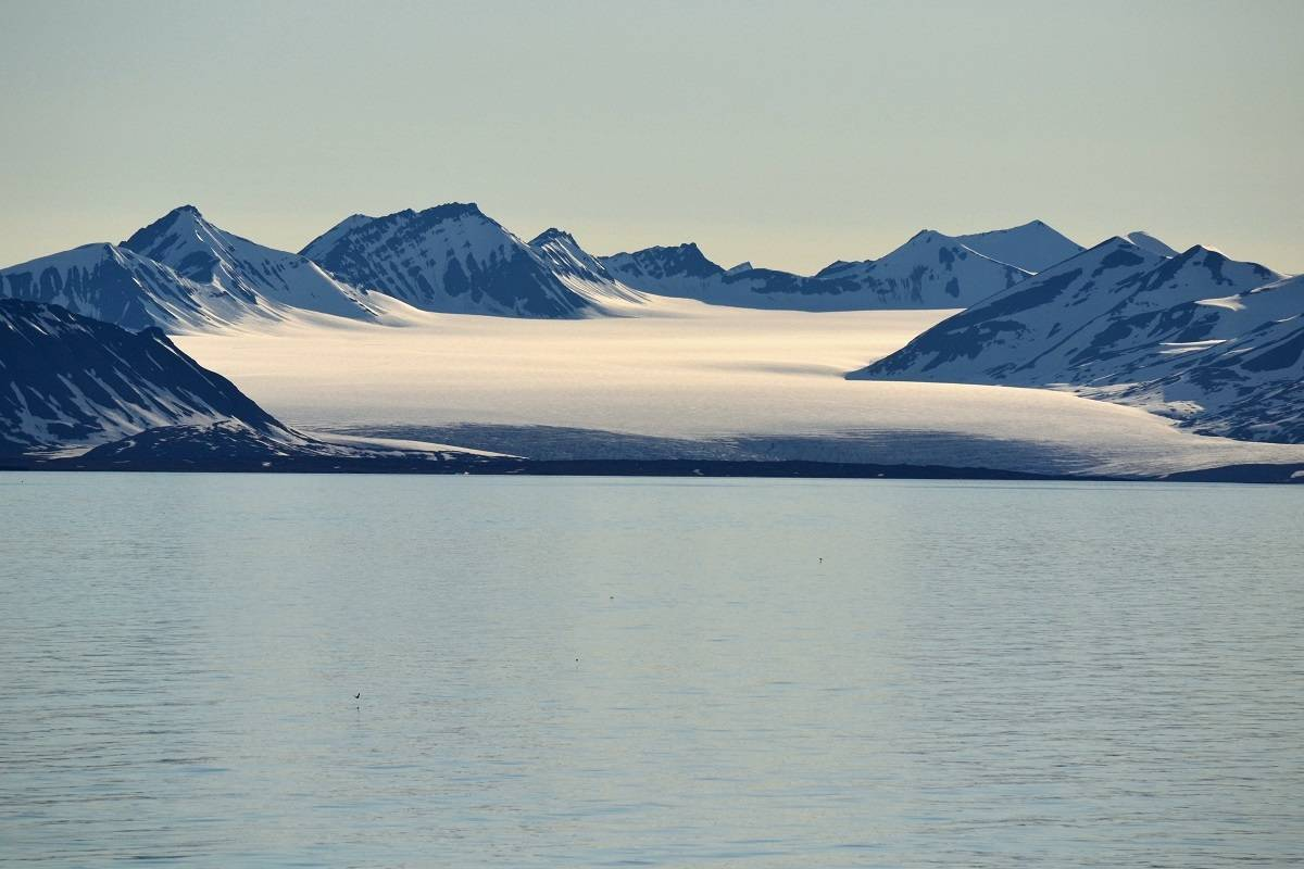 Around Spitsbergen - In the Realm of Polar Bear & Ice