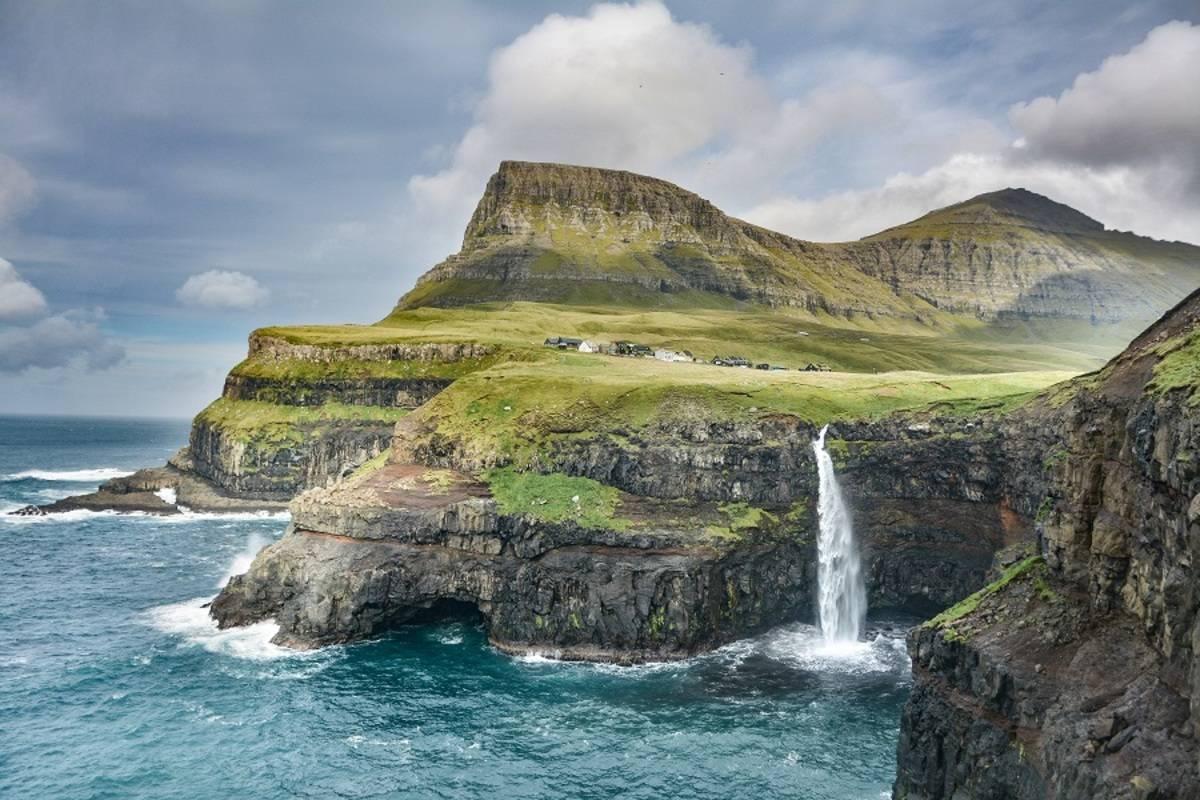 Orkneys, Faroes, Jan Mayen and Svalbard