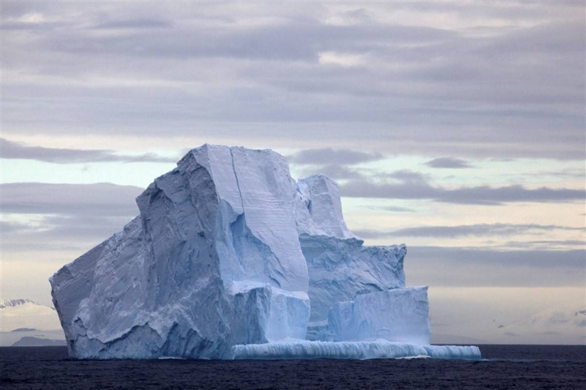 Across the Antarctic Circle Fly/Sail